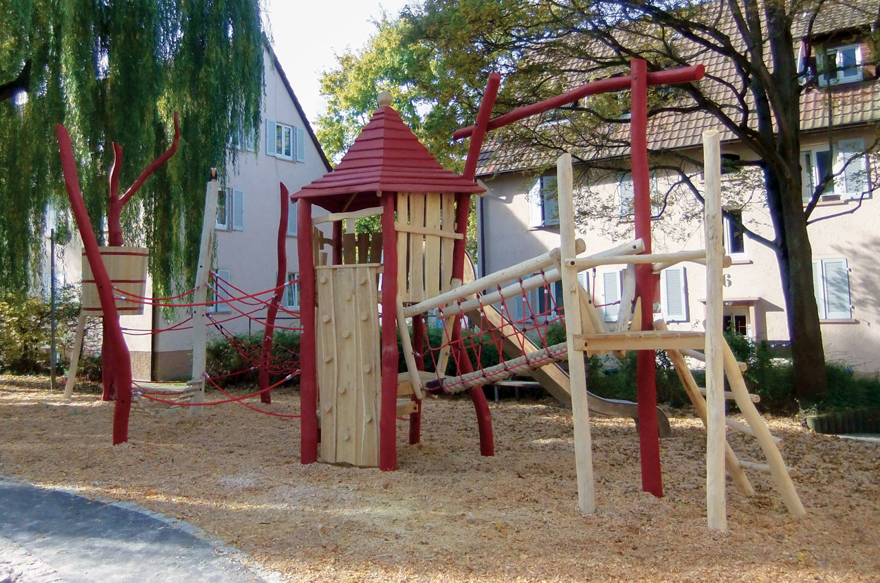 A 105 Spielplatz aus Holz