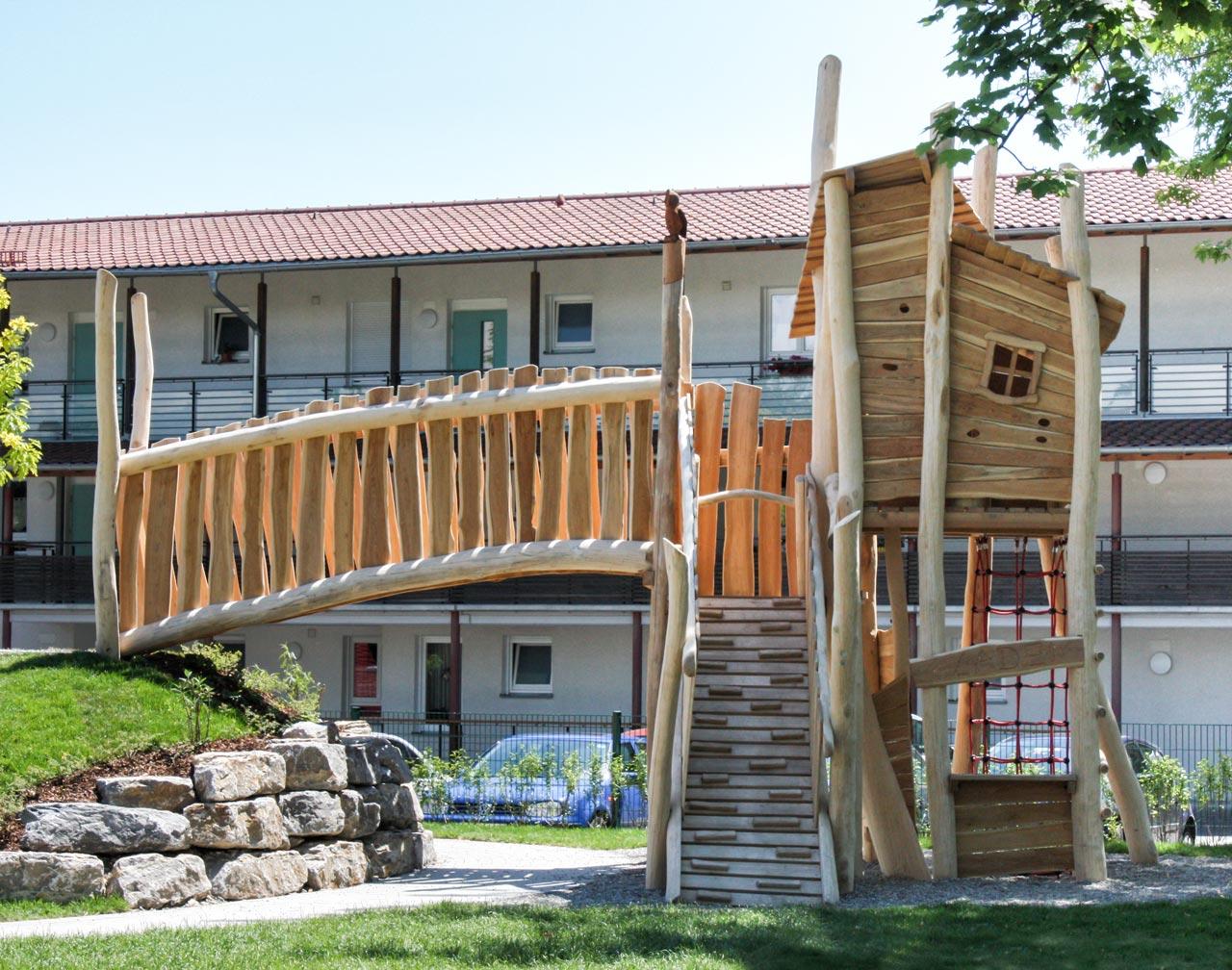 A 113 Spielanlage aus Holz