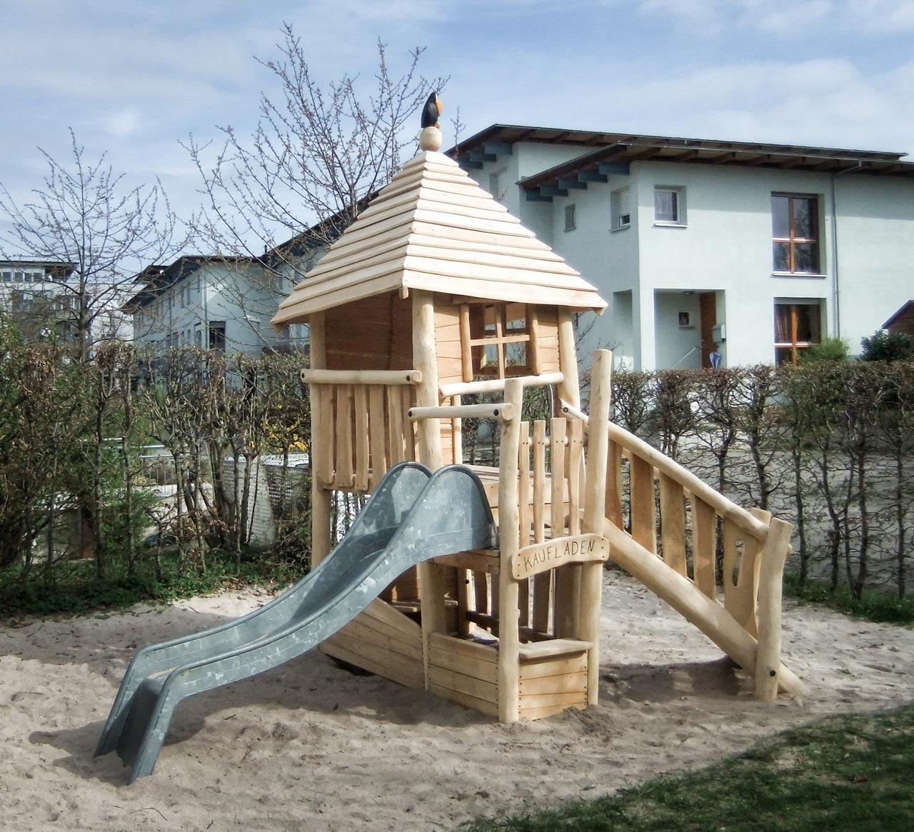 A 119 Spielturm aus Holz
