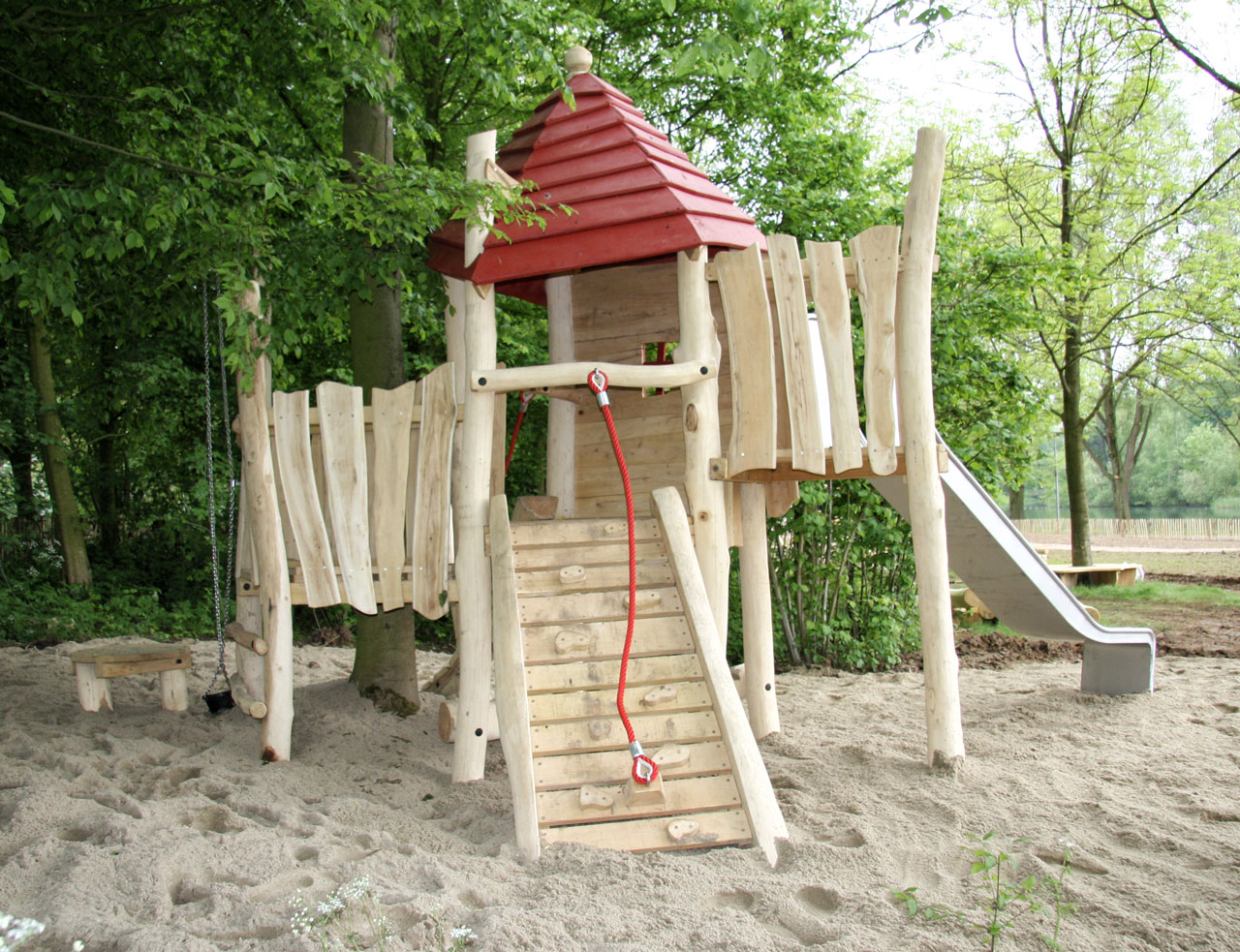 A 120 Spielturm aus Holz
