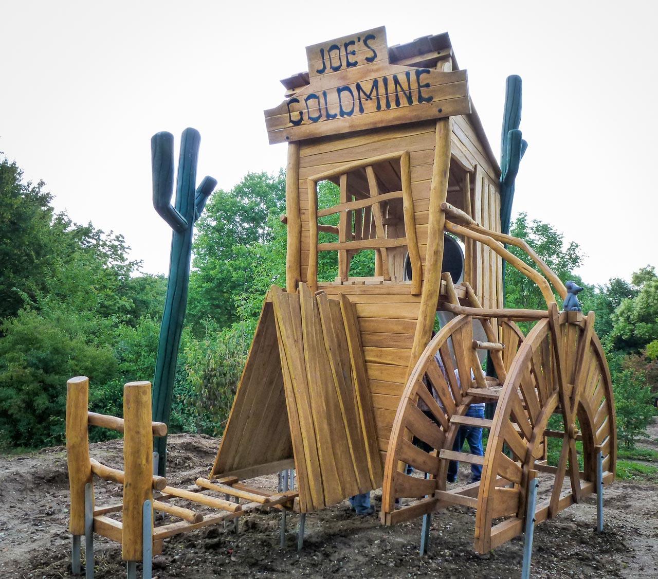 A 126 Themenspielplatz Joes Goldmine