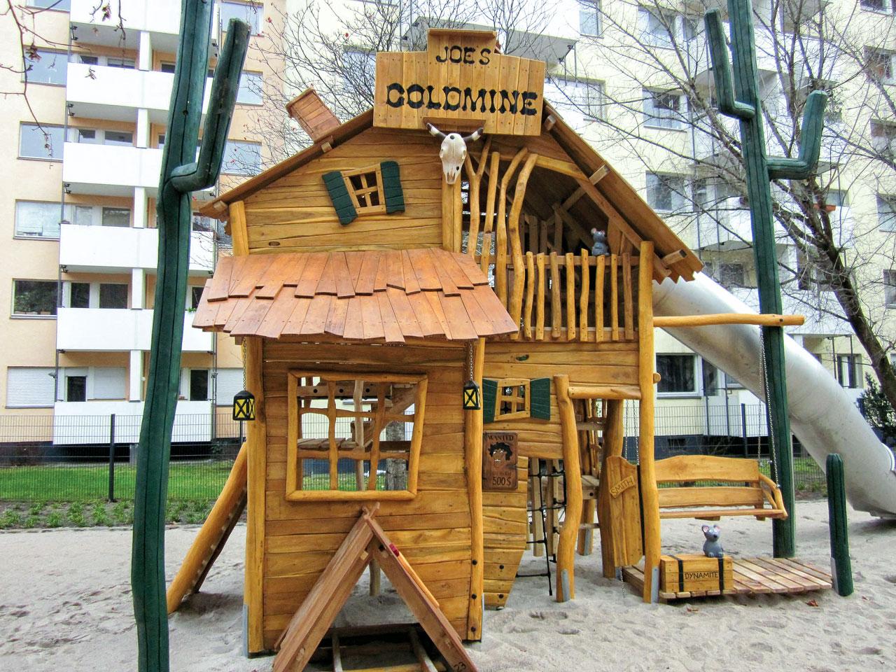 A 138 Spielstruktur Goldgräberhütte
