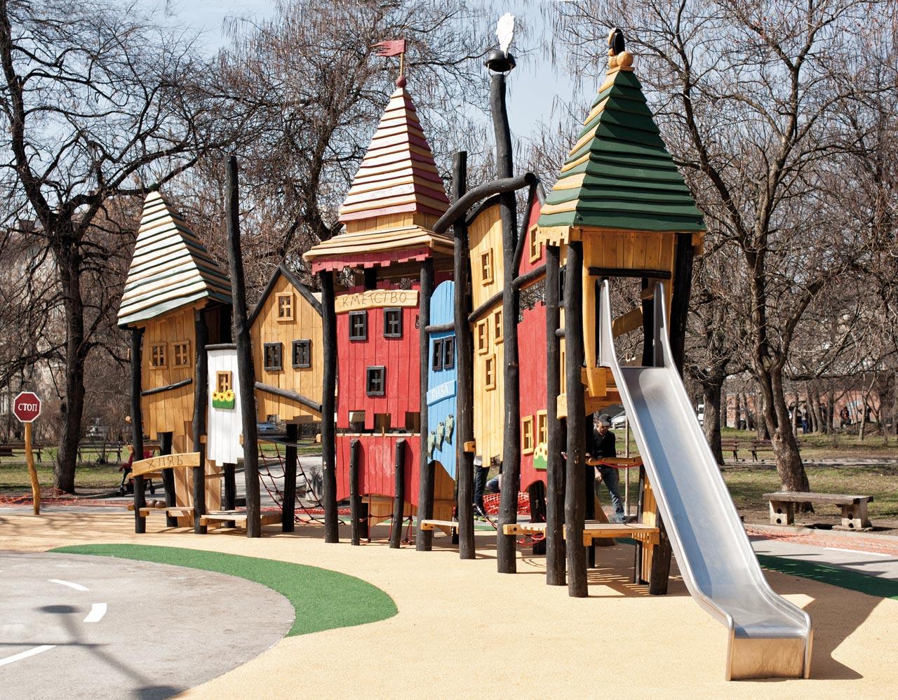 A 139 Spielstruktur Stadtkulisse