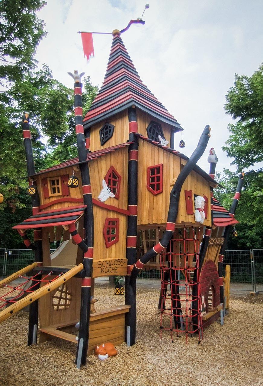 A 159 Themenspielplatz Märchenturm