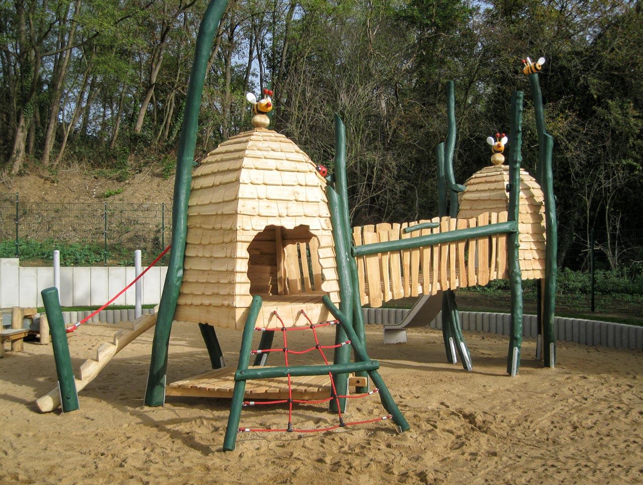 A 171 Spielplatz Bienenstadt