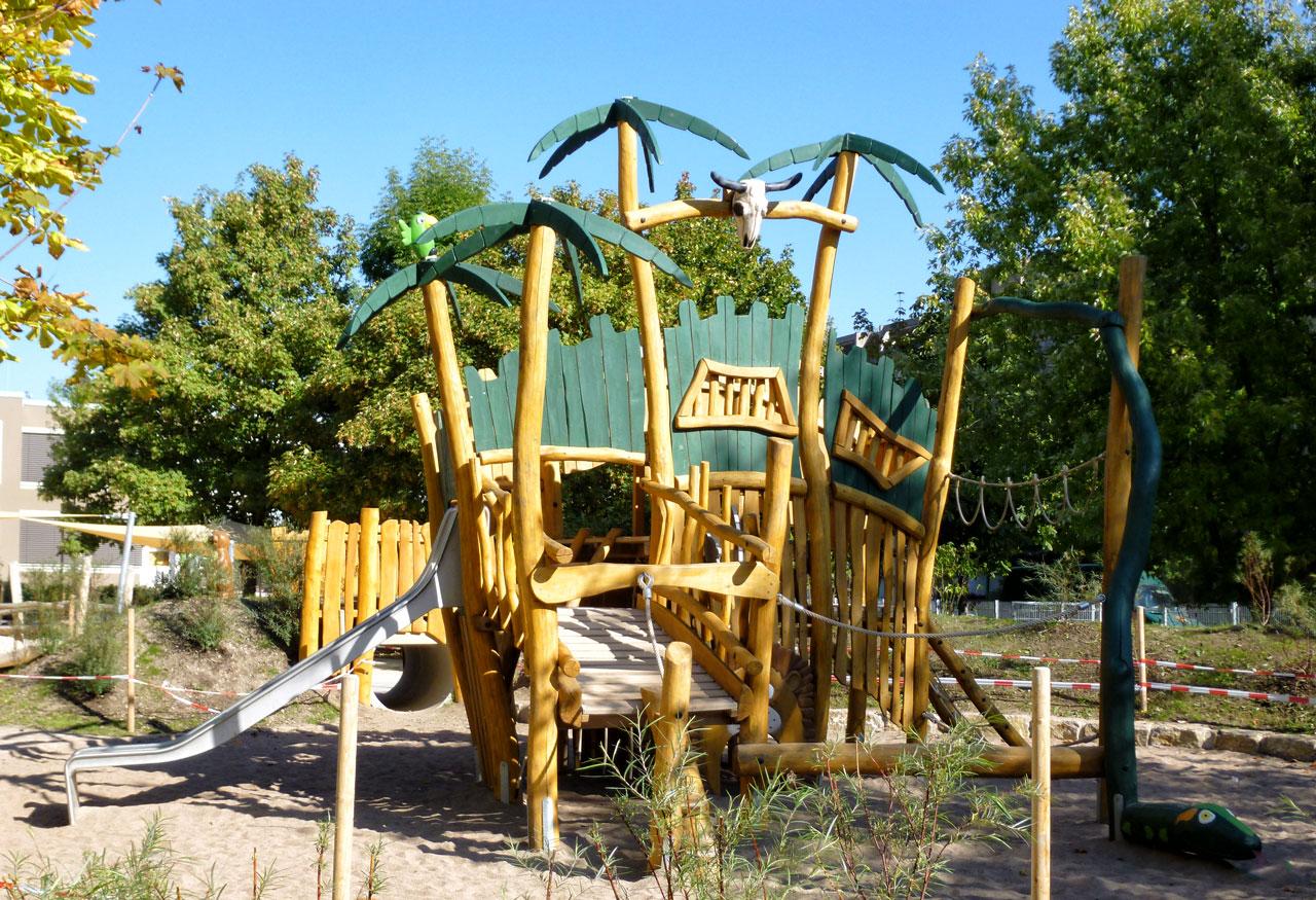 A 177 Spielplatz Dschungelruine