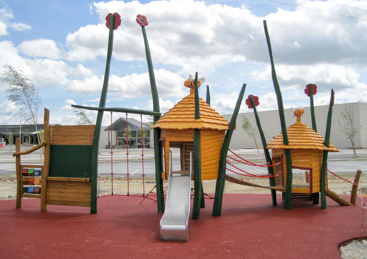 A 193 Themenspielplatz Bienenvilla
