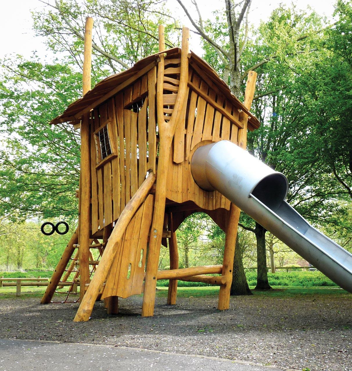 A 197 Spielturm Robinie