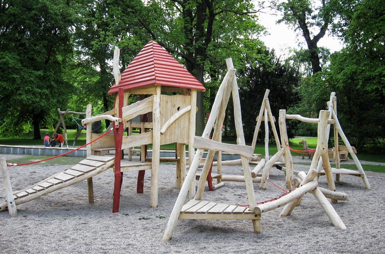 A 20 Spielanlage aus Holz