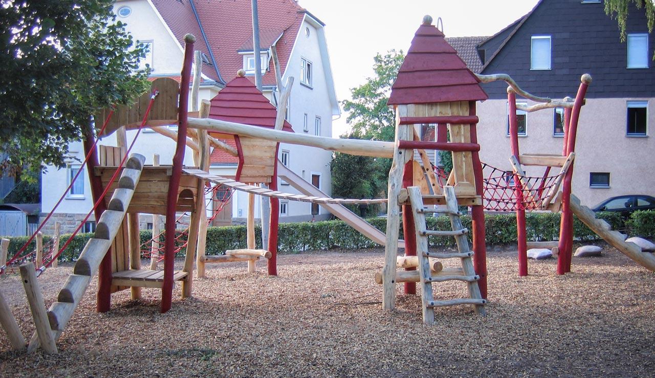 A 29 Spielplatz aus Holz