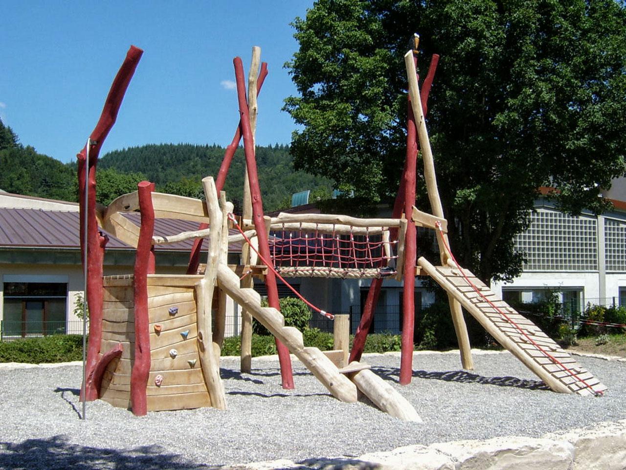 A 30 Spielplatz aus Robinie