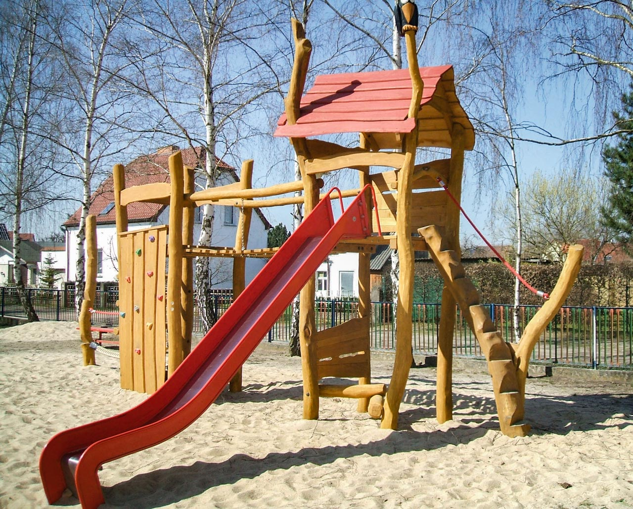 A 44 Spielanlage aus Holz