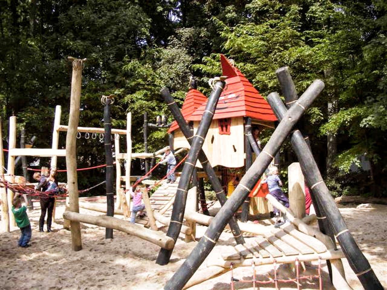 A 46 Spielanlage Zauberwald