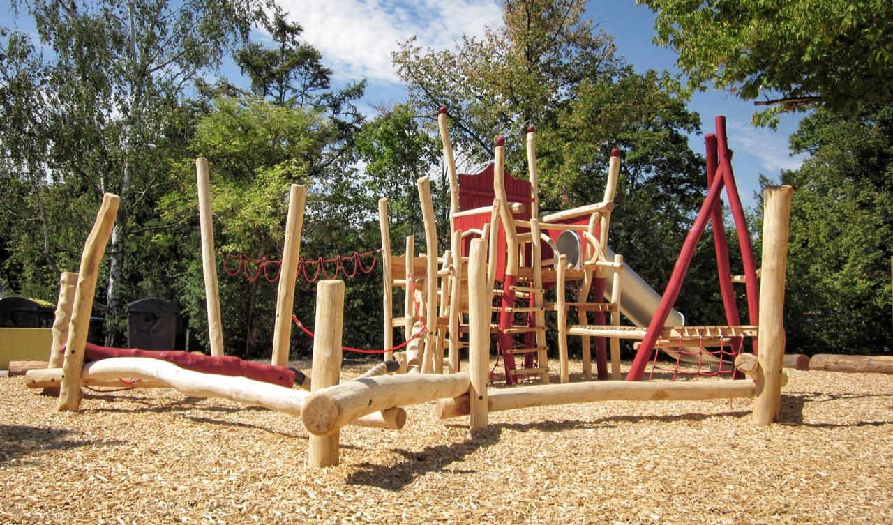 A 49 Spielplatz Kletterstuhl