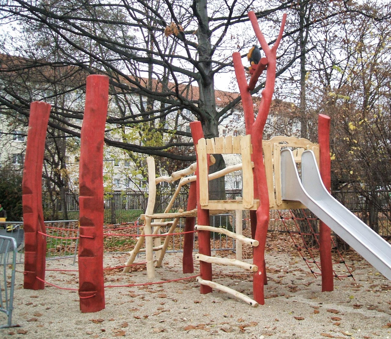 A 78 Spielanlage aus Holz