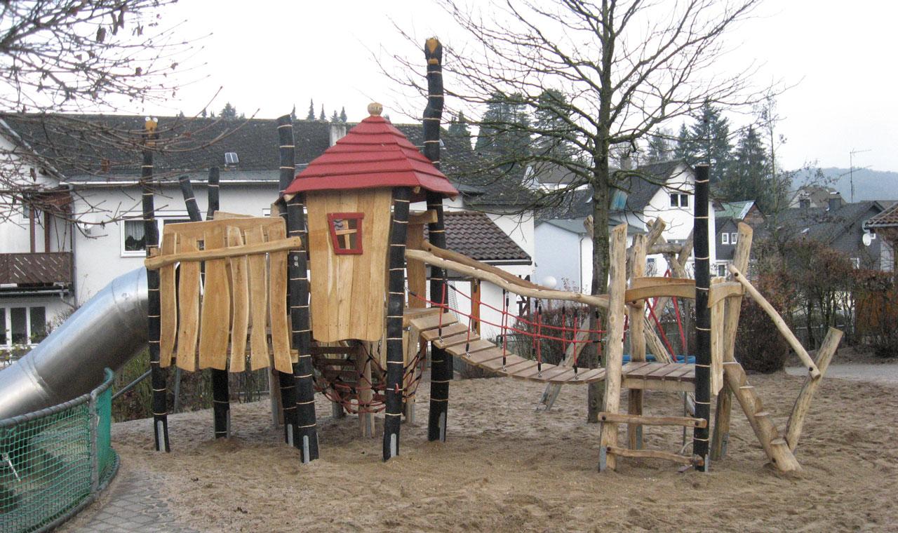 A 79 Spielanlage aus Holz