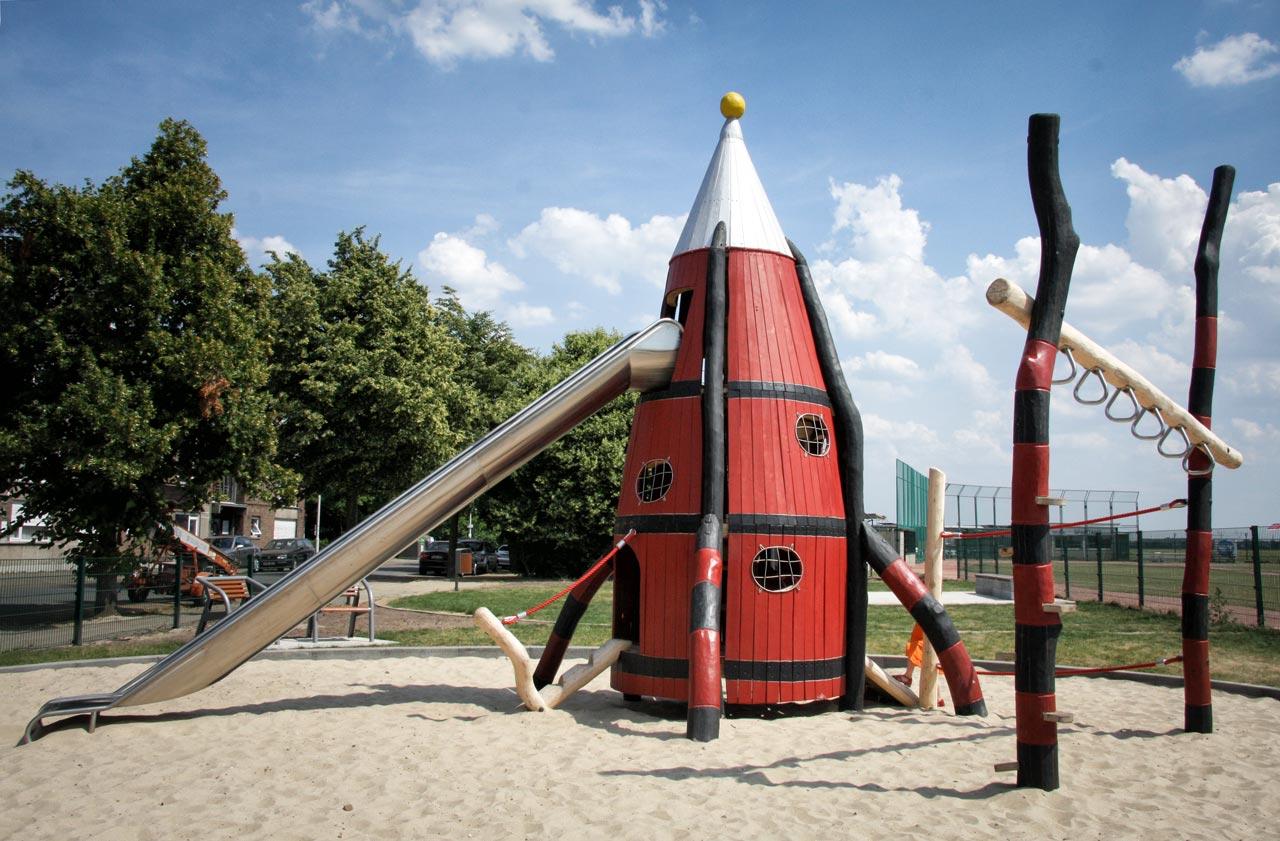 A 93 Spielturm Raketenturm