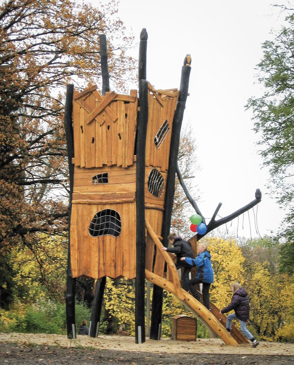 A 99 Spielturm Räuberturm
