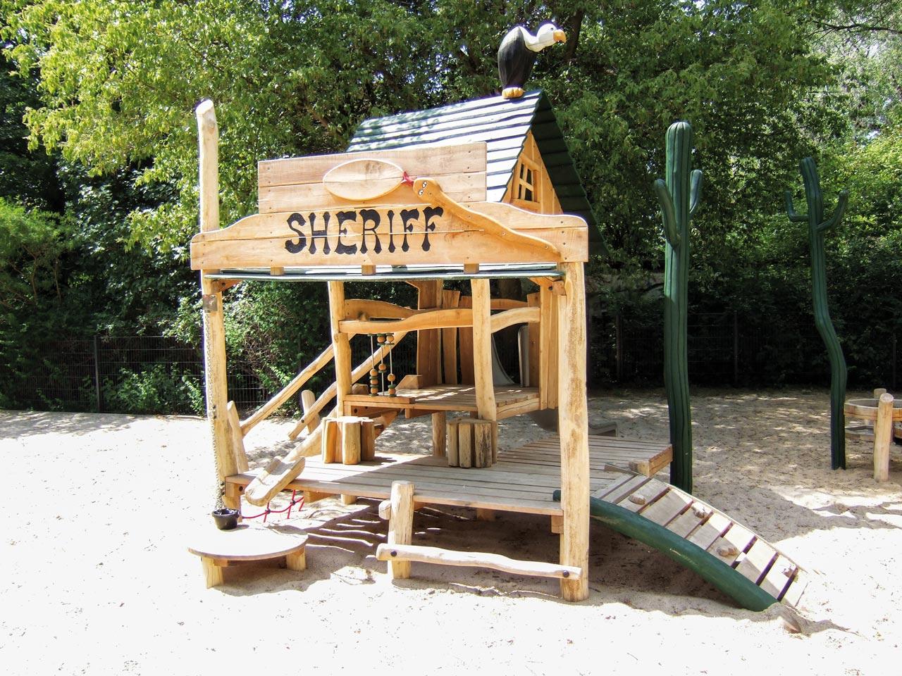 C 101 Spielhaus Sheriff