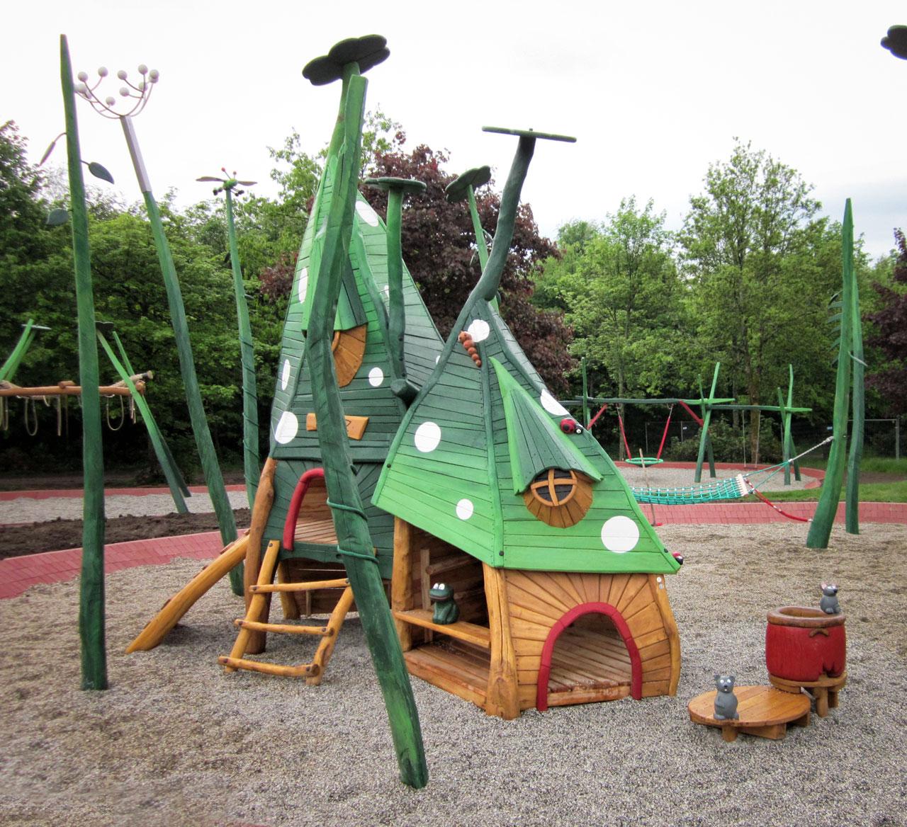 C 169 Spielhaus Libellenhaus