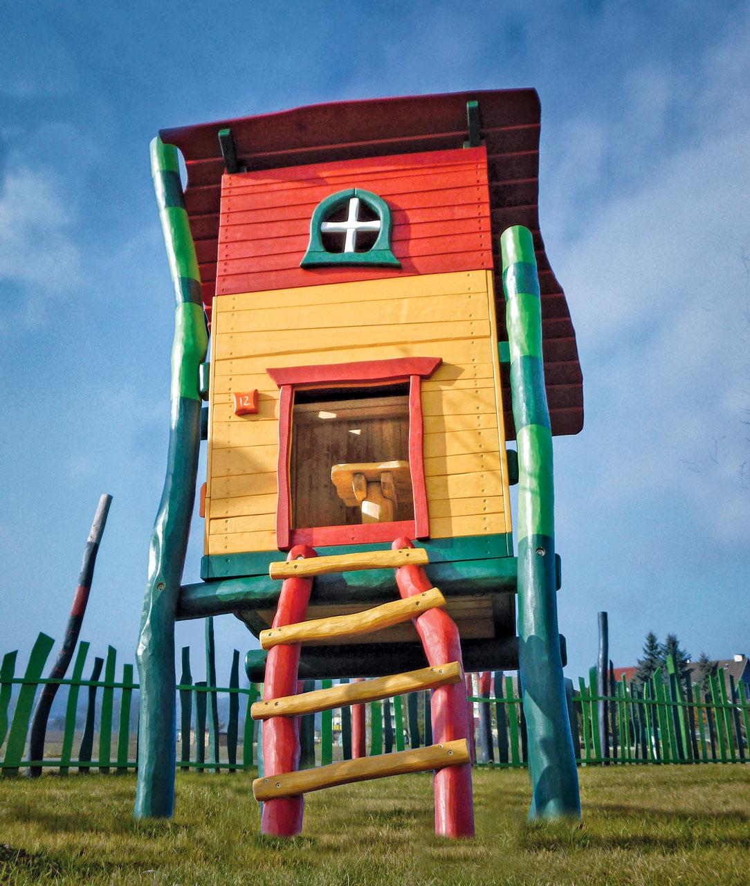 C 185 Spielhaus Robinie