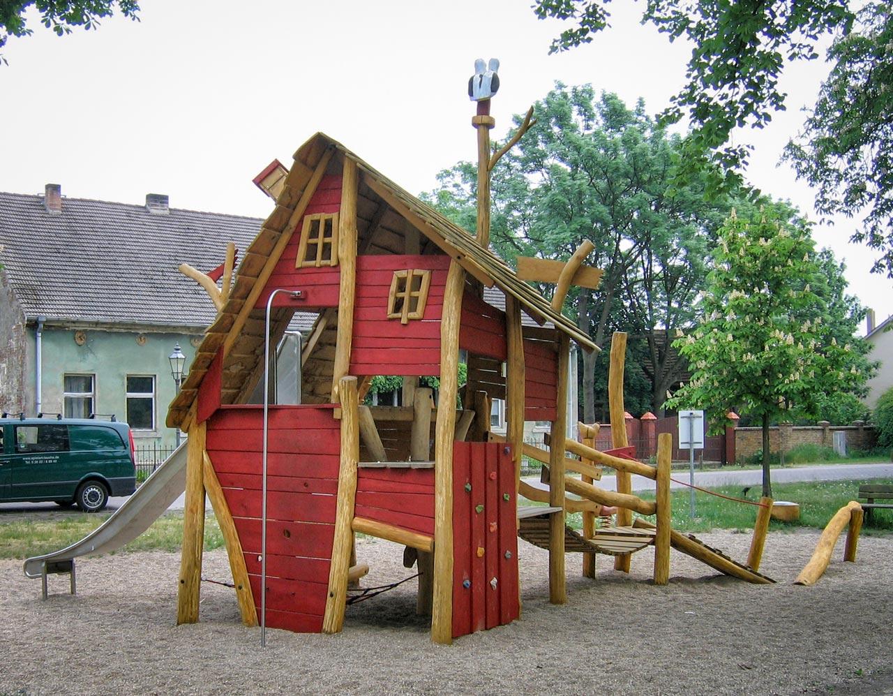 C 29 Spielhaus alte Schmiede