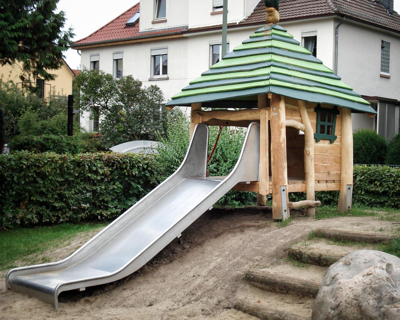 C 83 Rutschenhaus - Spielhaus mit Rutsche