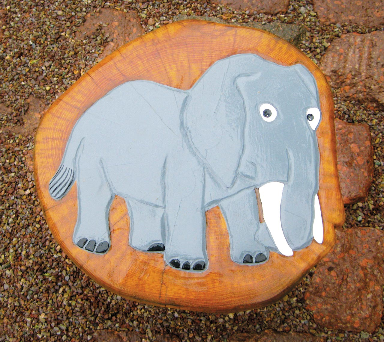 F 28 Sitzpoller Hocker Elefant
