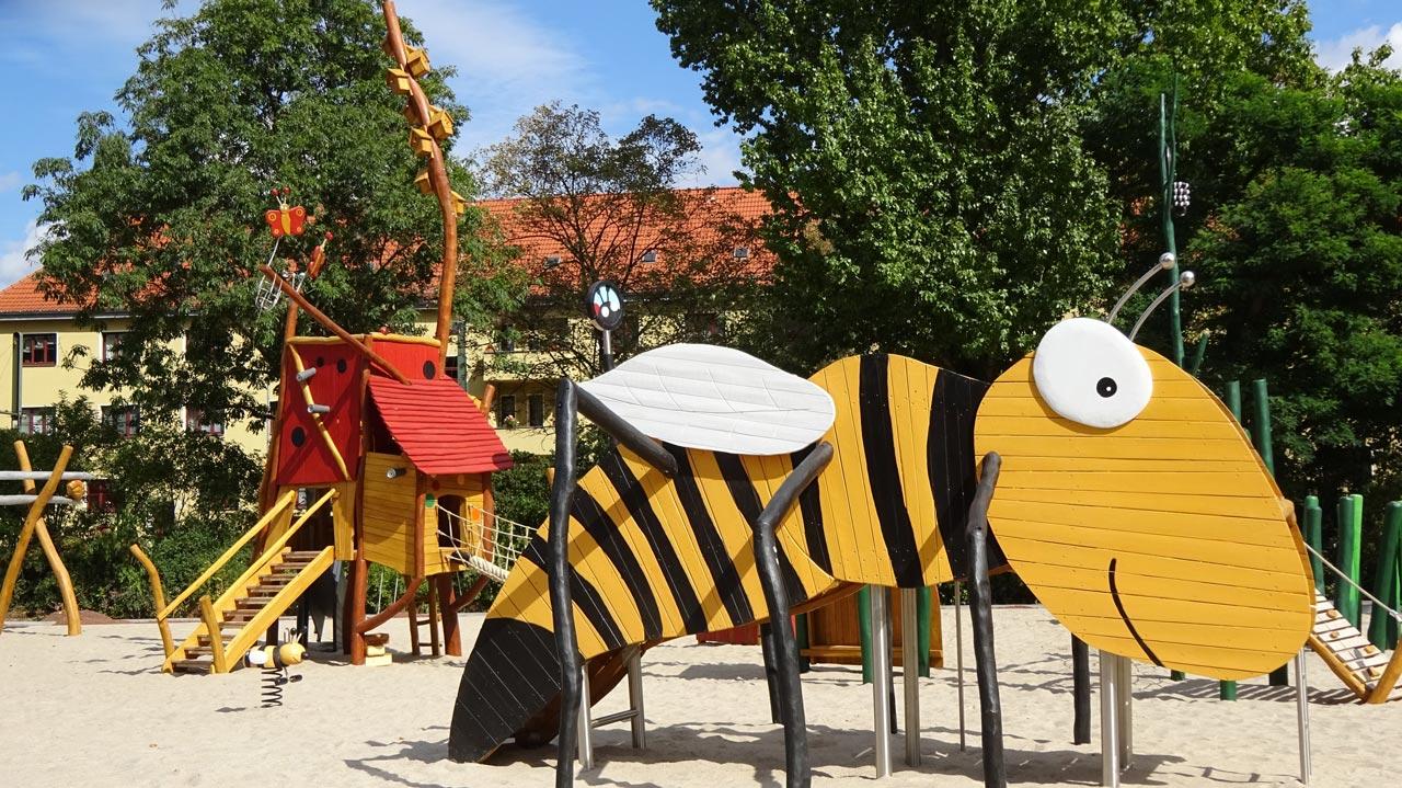 Forscherspielplatz, Robert-Mayer-Str., Magdeburg, Themenspielplatz Forscher, Biene