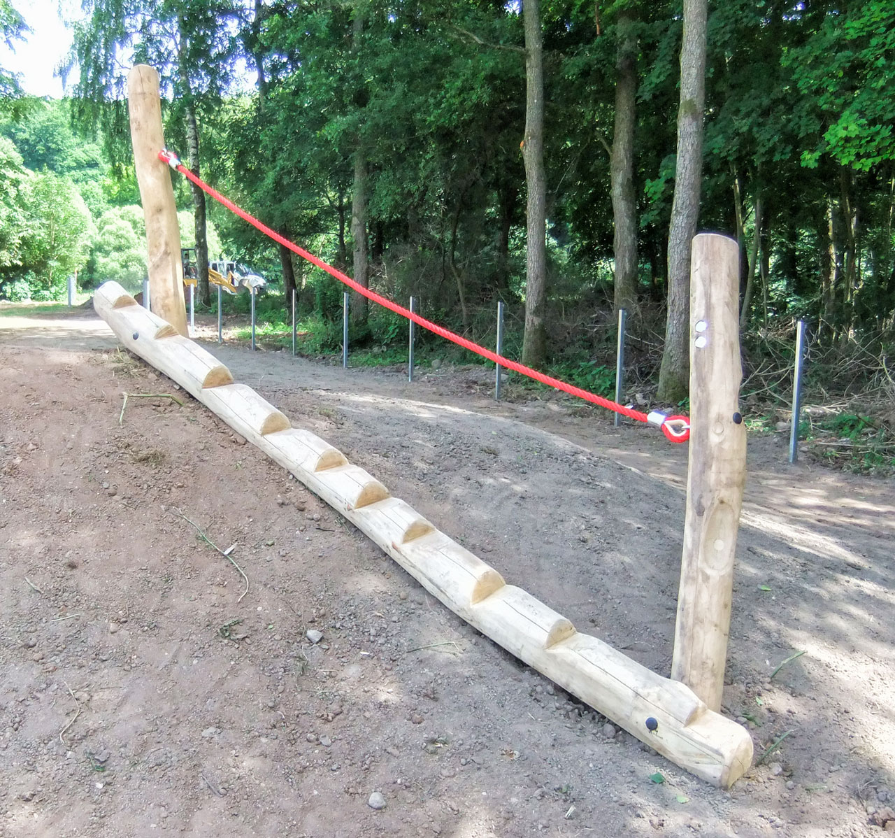 H 28 Baumstammtreppe