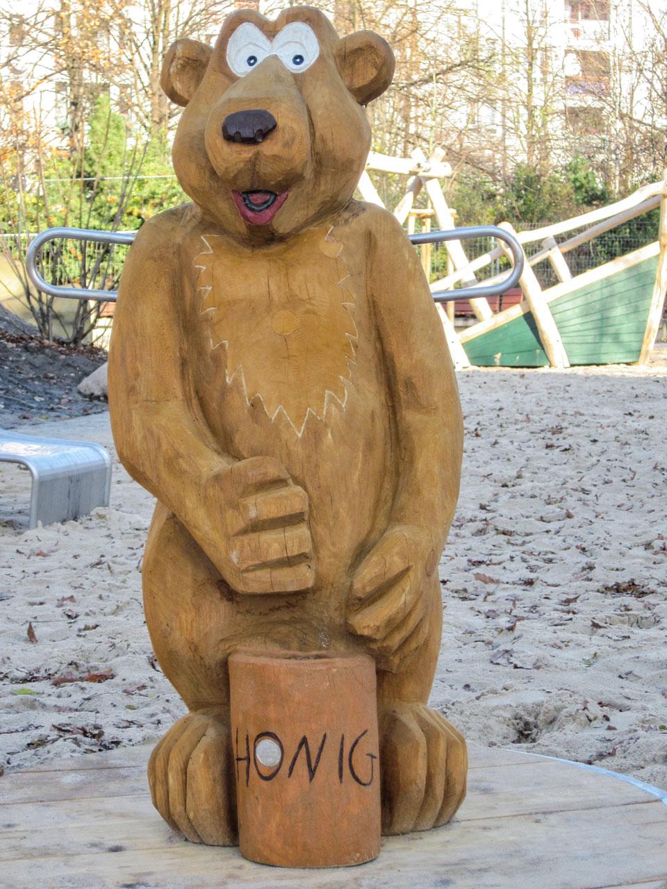 K 10 Karussell Rolf der Bär mit Honig