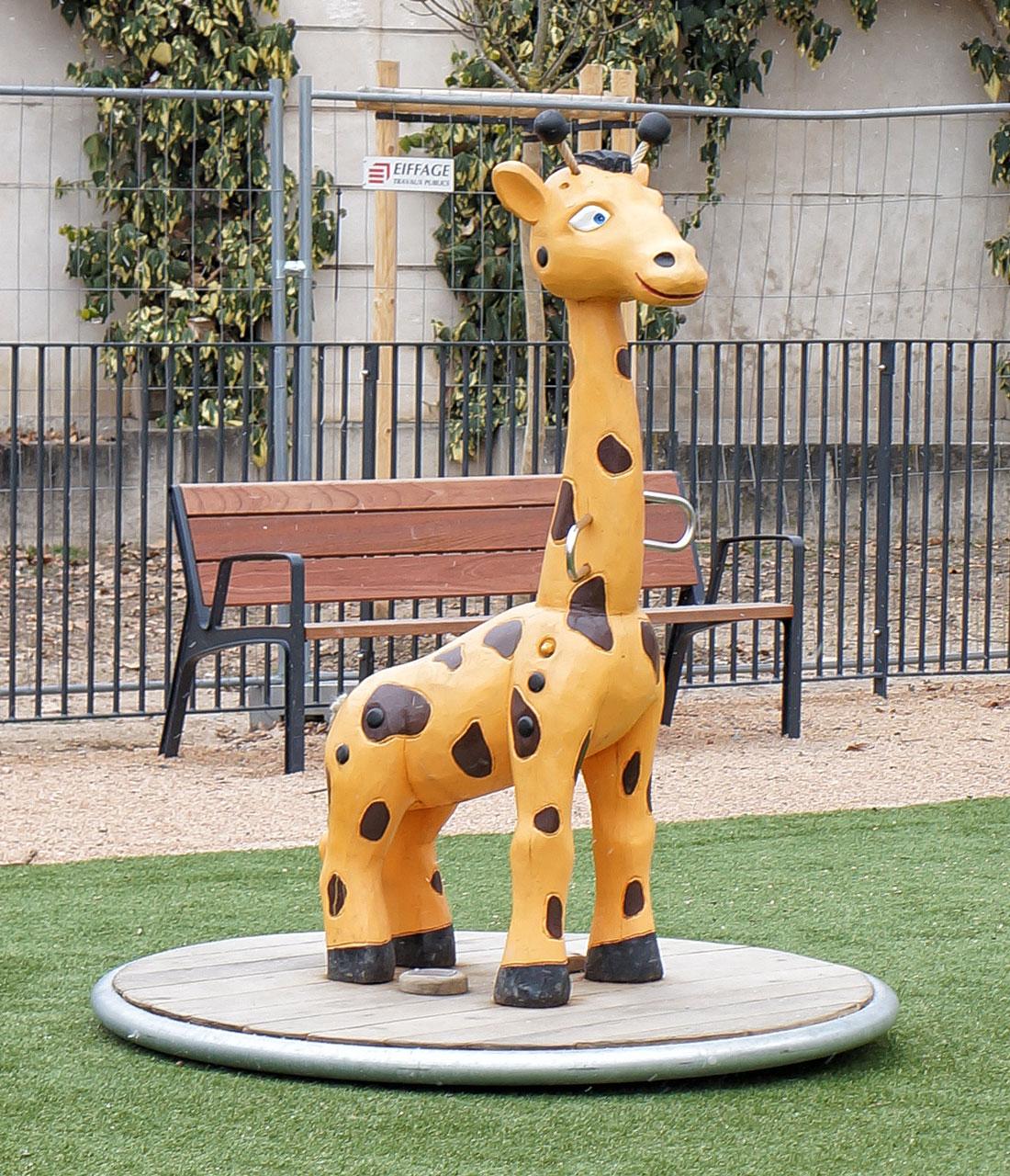 K 29 Karussell Giraffe Emil