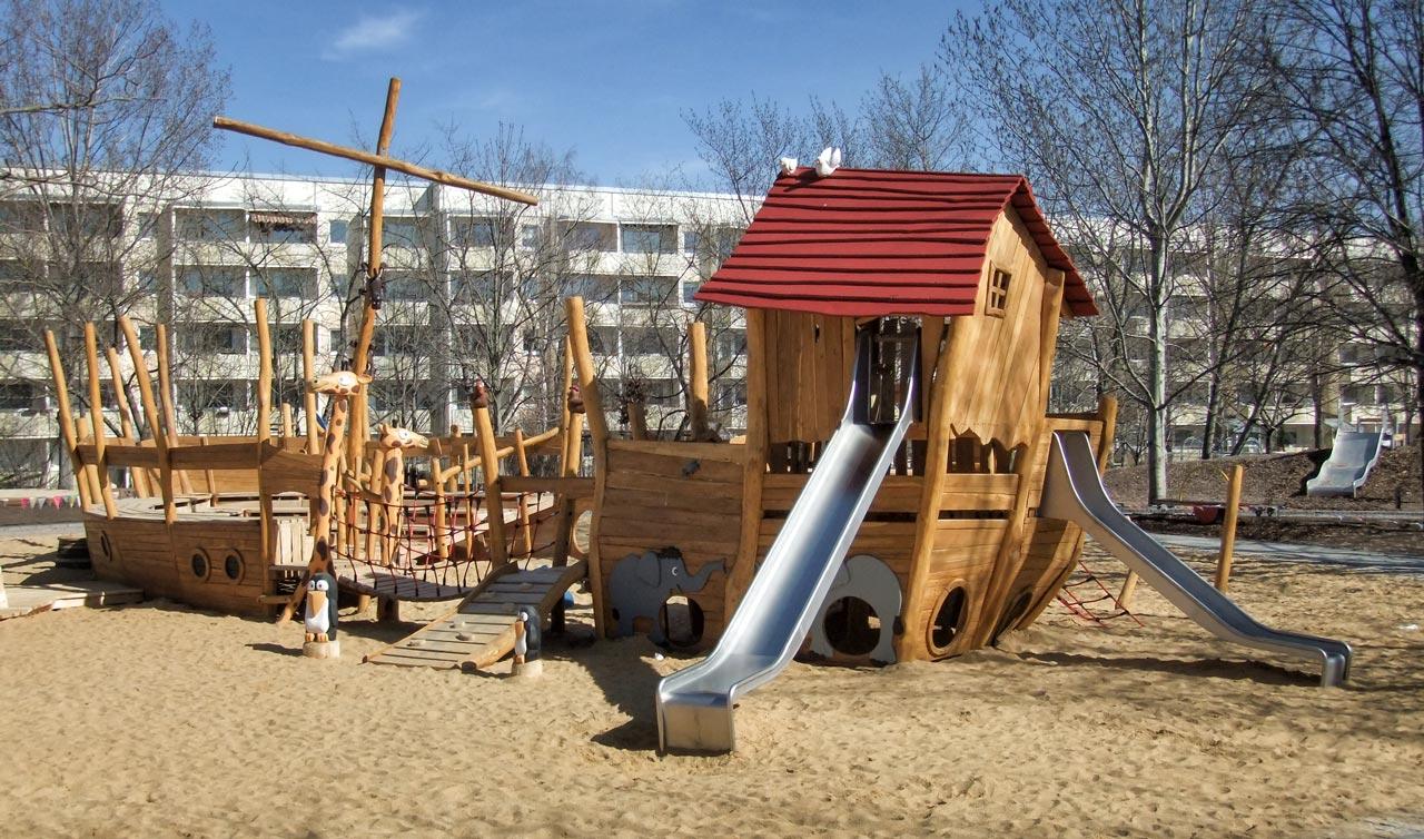 L 45 Spielschiff Große Arche Noah