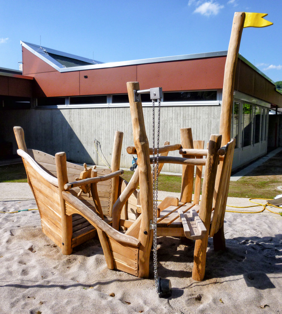 L 78 Spielschiff aus Holz