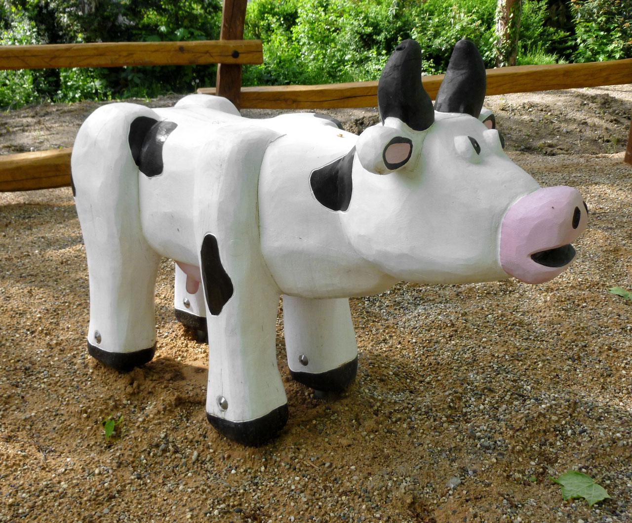 N 0-6 Skulptur Kuh Liese
