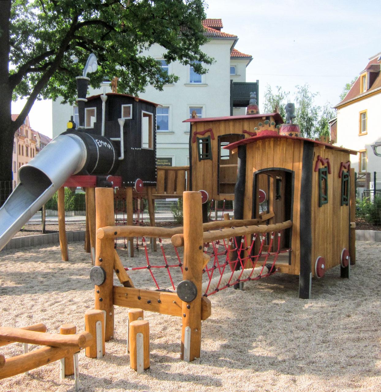 N 123 Themenspielplatz Eisenbahn Zug Fliegende Emma