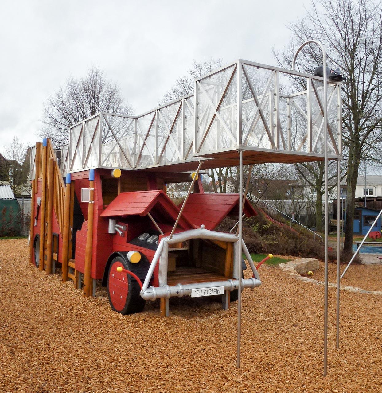 Feuerwehr Spielplatz, Holzgerlingen, Themenspielplatz