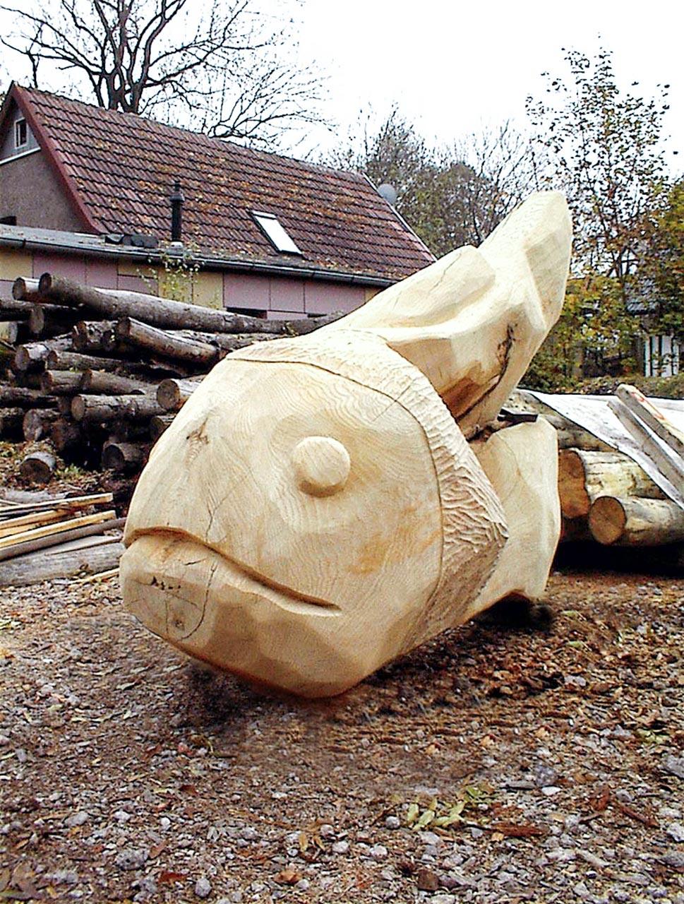 N 2-2 Skulptur Wal