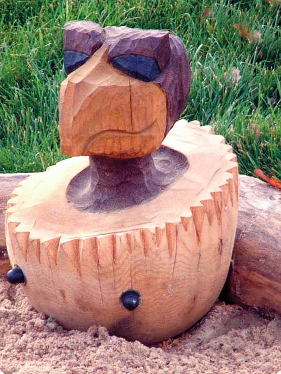 N 4-4 Skulptur Vogelbaby