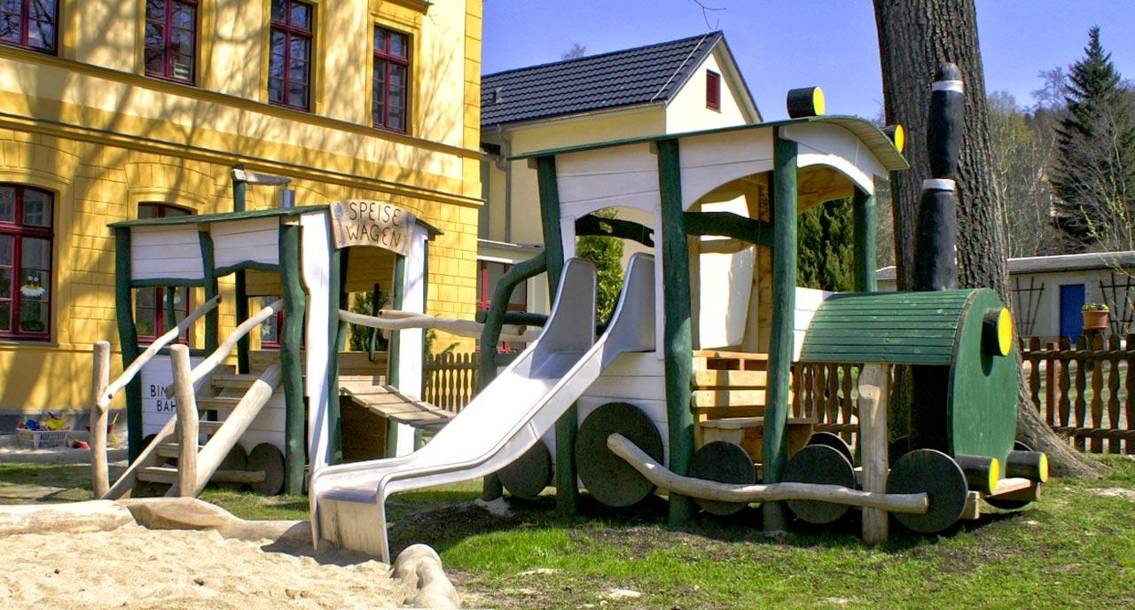 N 40 Bimmelbahn Spielplatz