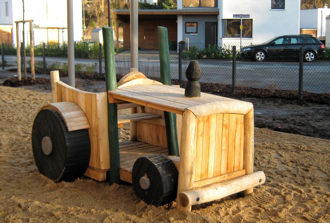 N 43 Spielgerät Traktor