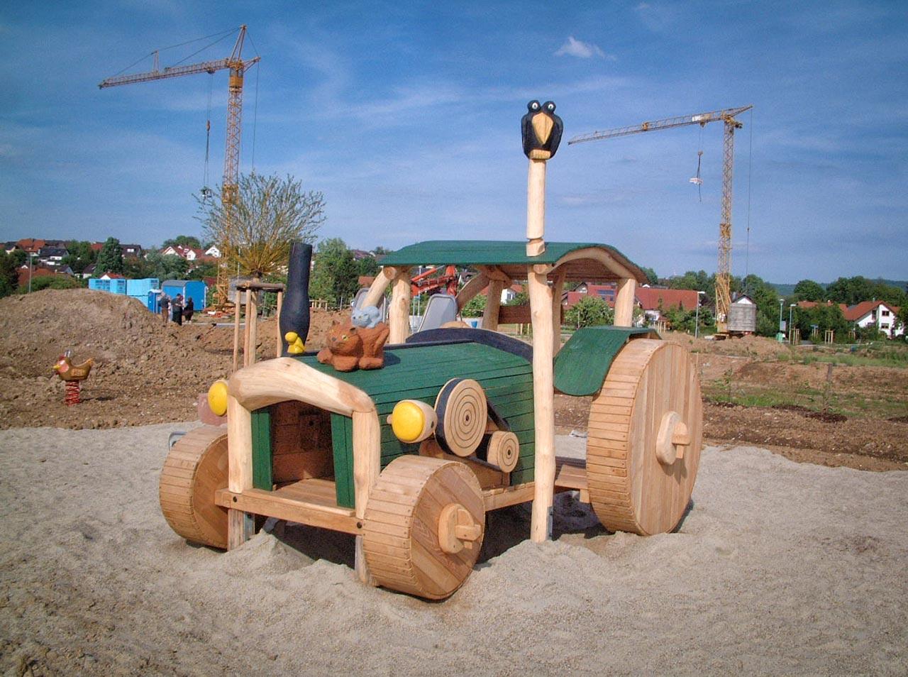 N 6-1 Spielfahrzeug Traktor