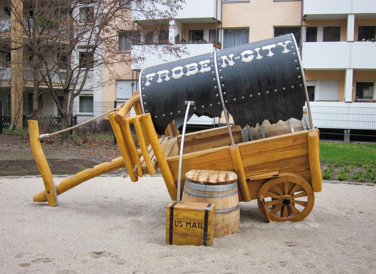 N 76 Spielgerät Planwagen