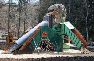 N 81 Spielplatz Kletterobjekt Waldmensch