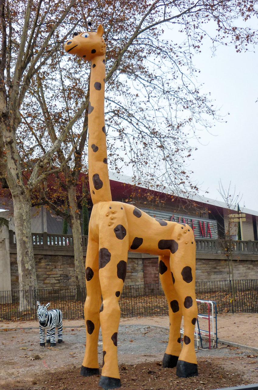 N 98 Skulptur Giraffe Emil | Riesenemil