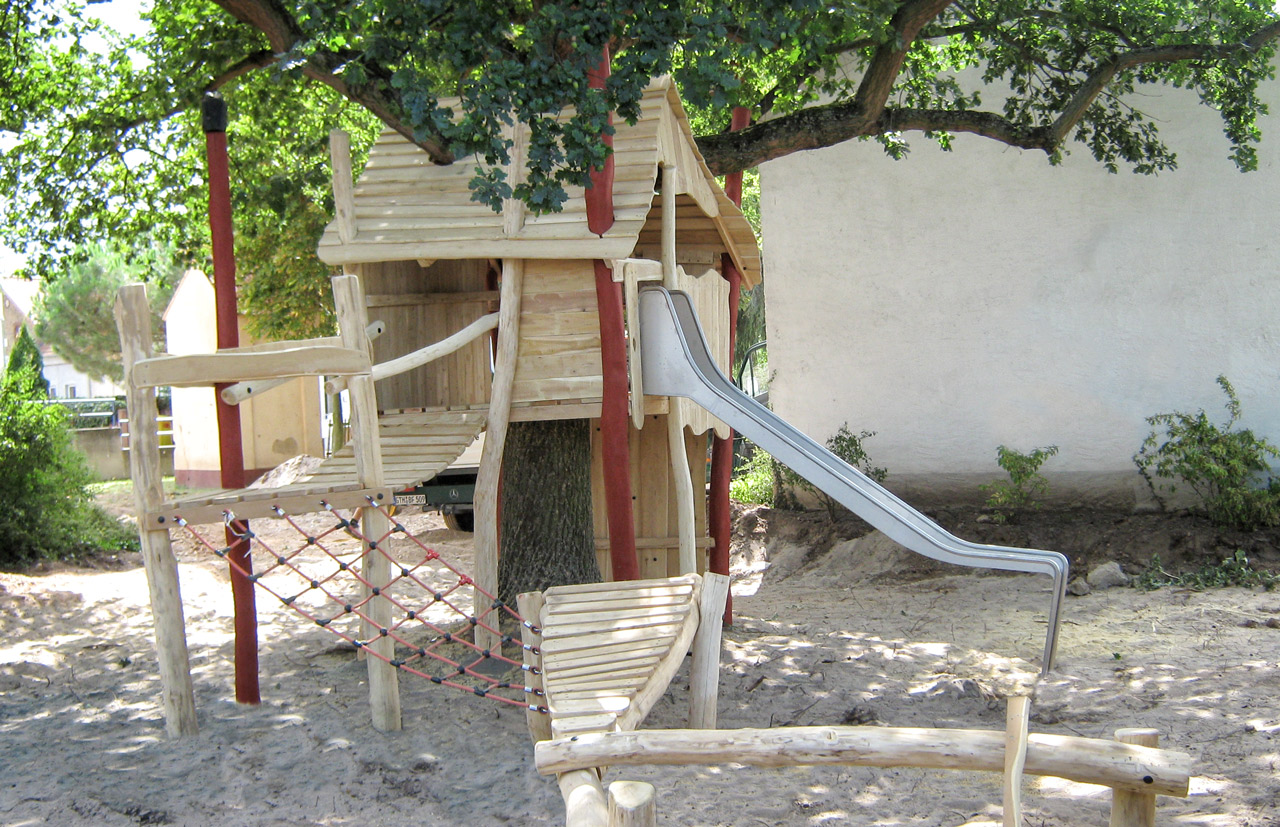 O 27 Baumhaus