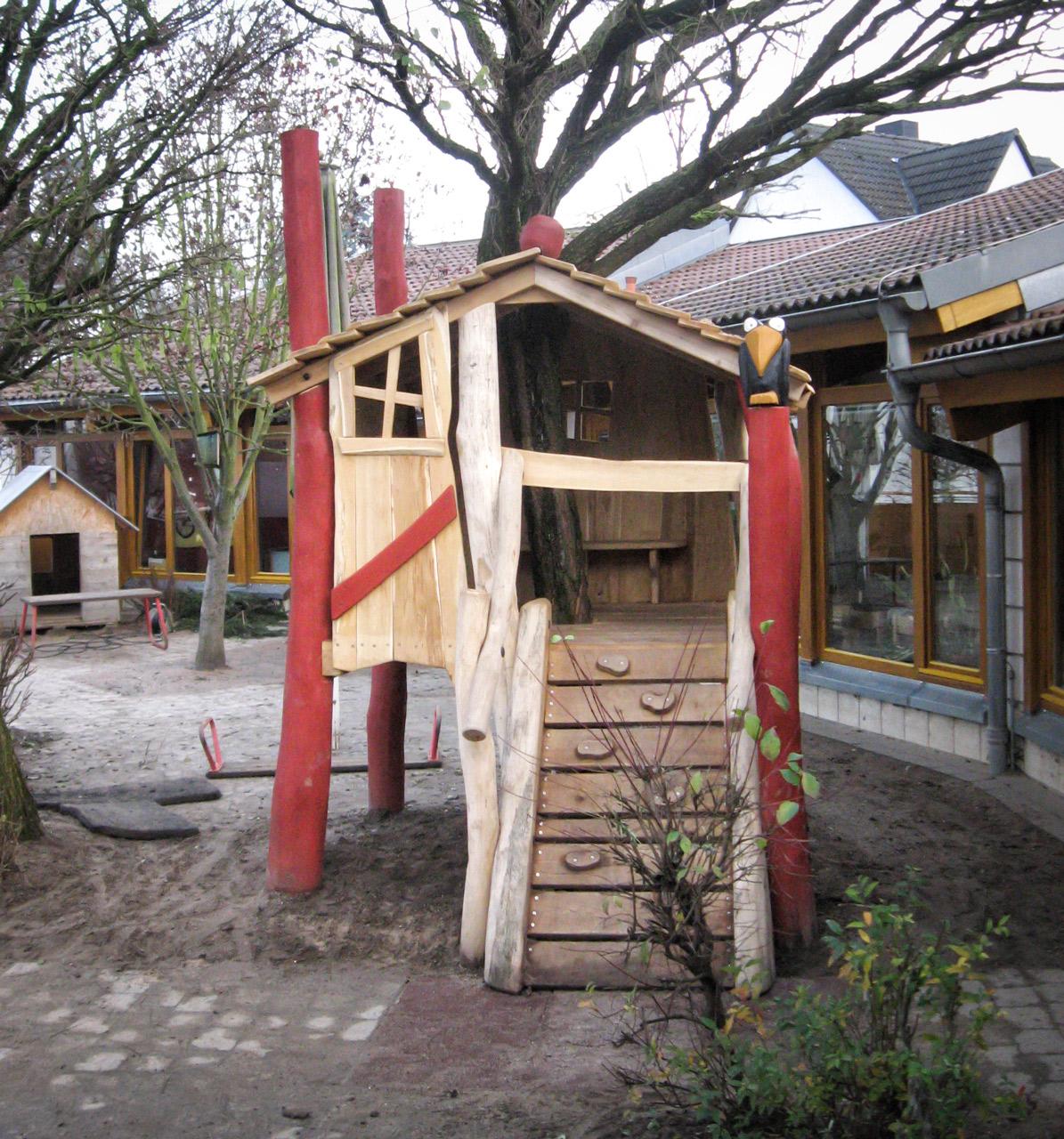 O 33 Baumhaus