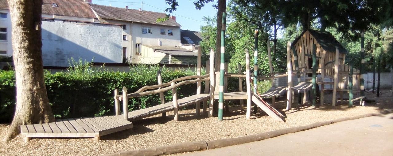 O 34 Baumhaus