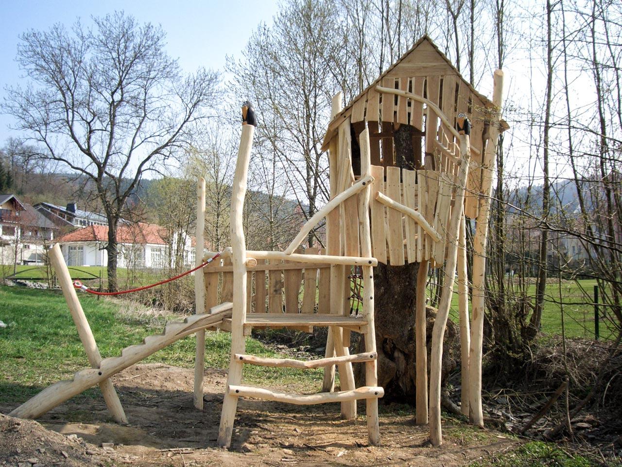 O 40 Baumhaus Lennestadt