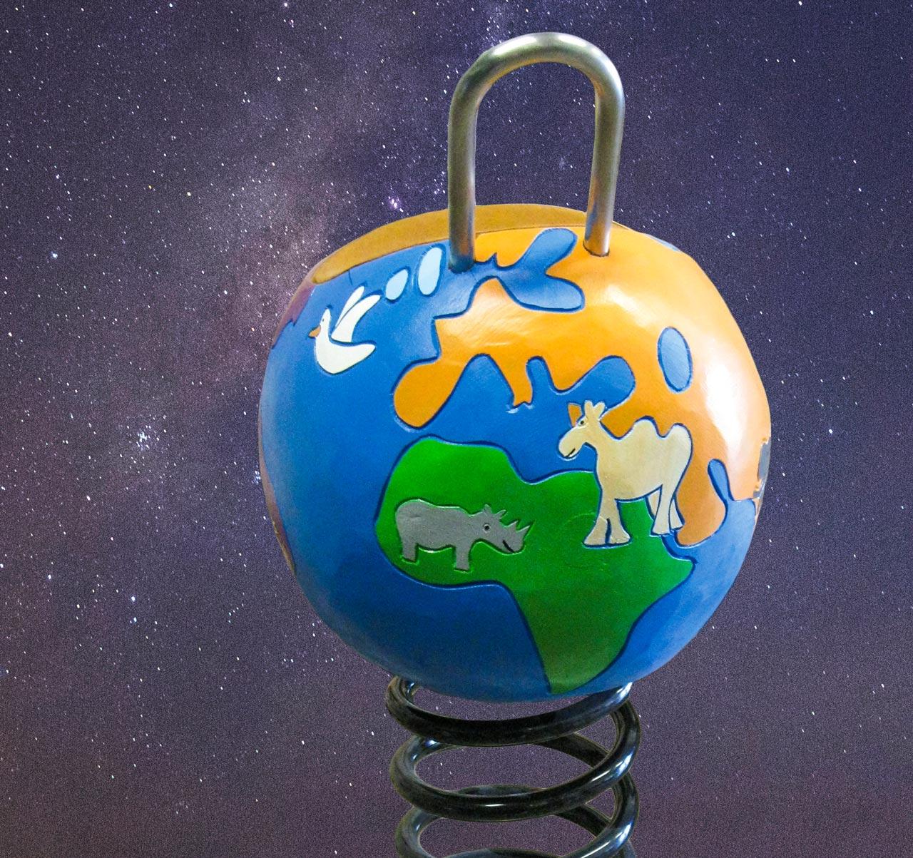P 138 Federwipper Globus Erde Erdkugel | Wackelerde